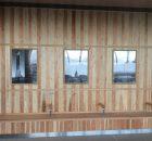 あいの風とやま鉄道 石動駅の木製ベンチ